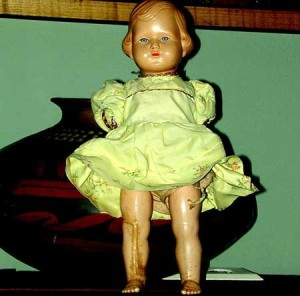 Muñeca en un escaparate.