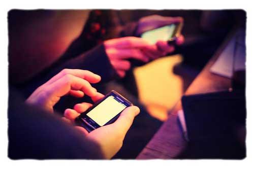 Gente con smartphones